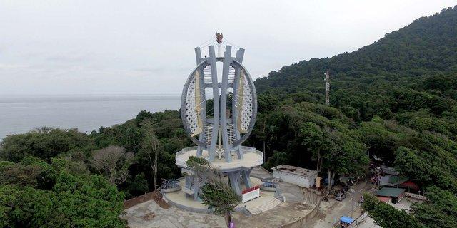 mengunjungi tugu kilometer nol indonesia di kota sabang 1
