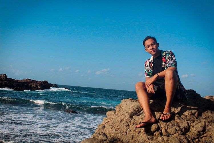 Pantai Watu Lumbung Gunung Kidul Yogyakarta 4