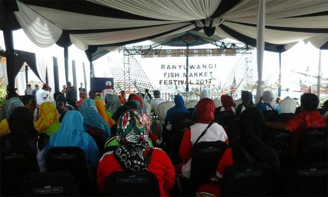 Tumpeng Ikan Ramaikan Fish Market Festival 2017